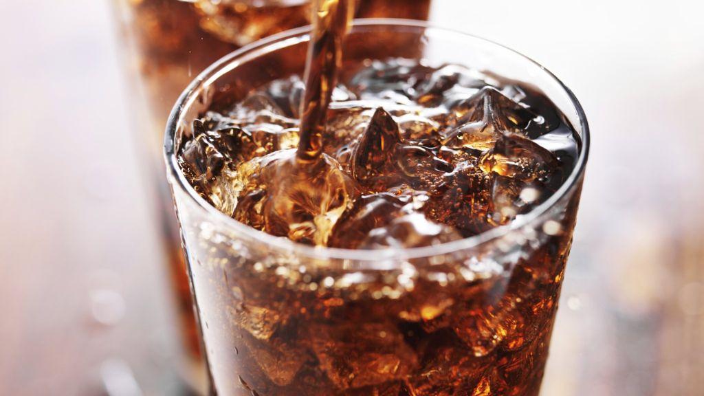 Diet debate: Are diet beverages a no-go? – BBC News