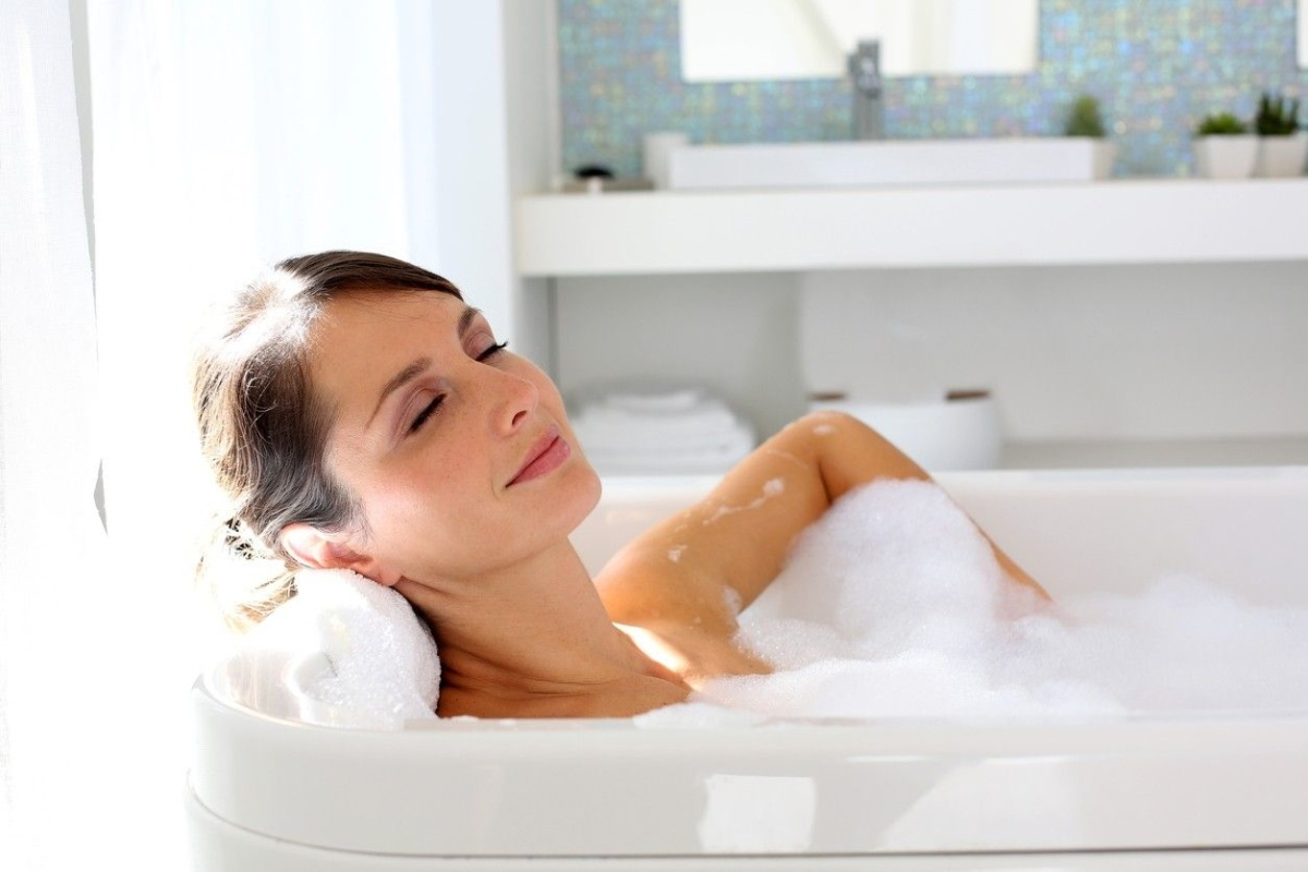 How taking a hot bath could help you lose weight