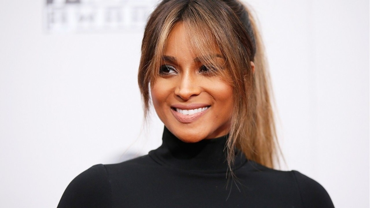 Why tracking your weight loss on social media (like Ciara) is actually really helpful