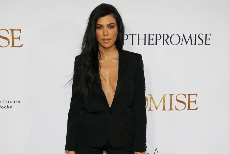 We Know What Kourtney Kardashian Drinks To Detox & Here's Why You Should Be Drinking It Too