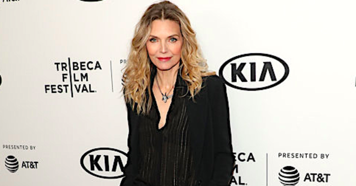 Film Fest Moderator Booed For Asking Michelle Pfeiffer About Her Weight