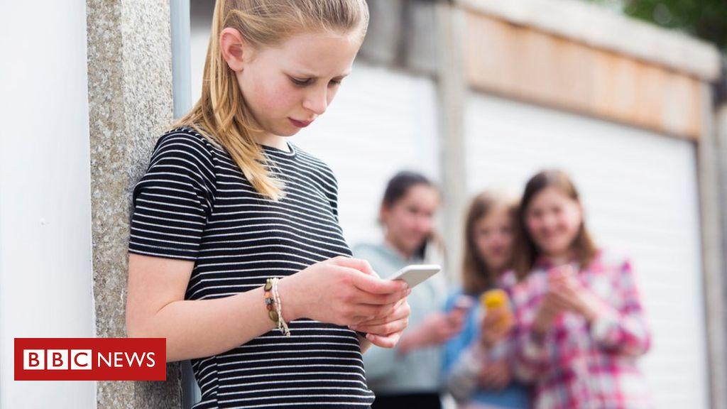 Psychiatrists to quiz kids on social media