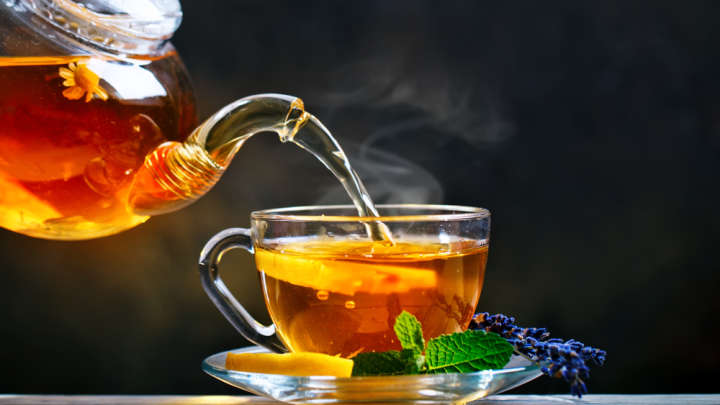 Regularly Drinking Tea Might Benefit Our Brain Structure, Small Study Suggests